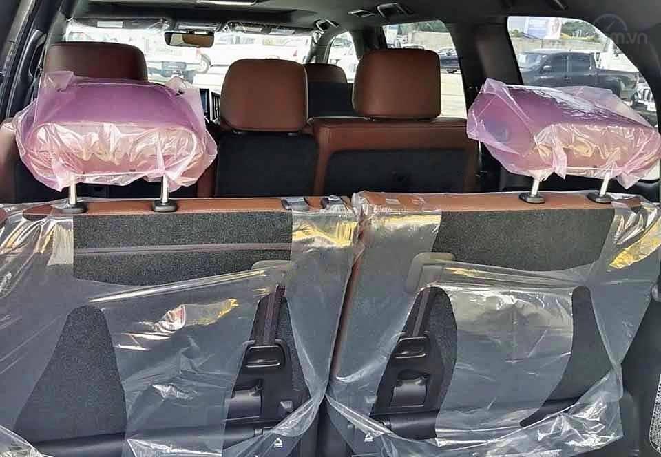 Bán xe Toyota Land Cruiser năm sản xuất 2020, màu đen, nhập khẩu   (2)