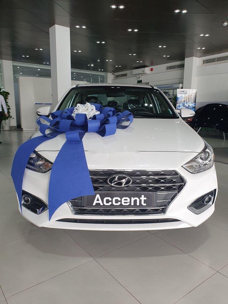 Bán xe Hyundai Accent 2020, màu trắng, giá chỉ từ 420 triệu (1)
