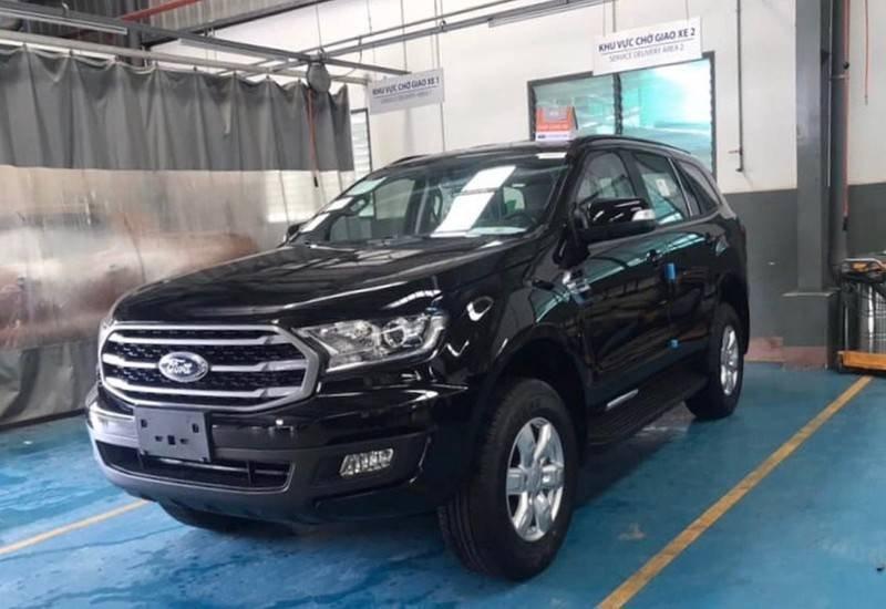 Cần bán Ford Everest Ambient MT, màu đen giao ngay, giảm giá 110 triệu năm 2019 (8)