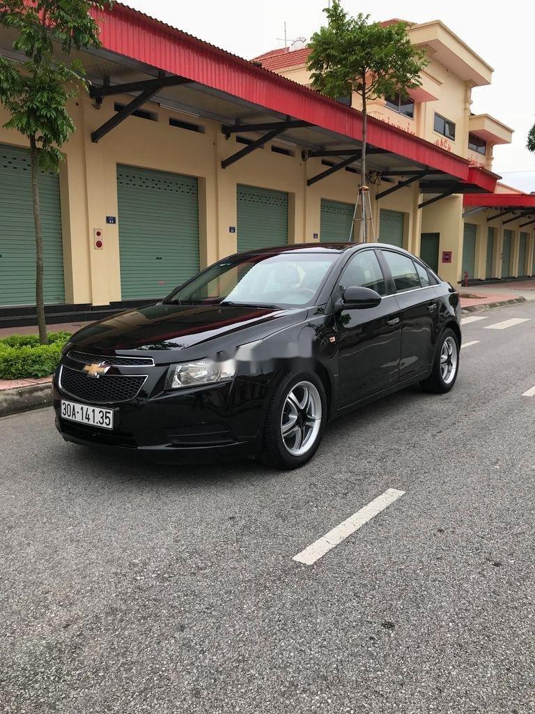 Cần bán gấp Chevrolet Cruze sản xuất 2010, màu đen, số sàn (9)