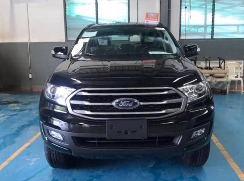 Cần bán Ford Everest Ambient MT, màu đen giao ngay, giảm giá 110 triệu năm 2019 (5)
