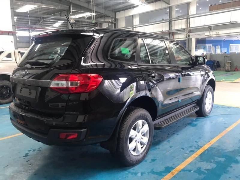 Cần bán Ford Everest Ambient MT, màu đen giao ngay, giảm giá 110 triệu năm 2019 (7)