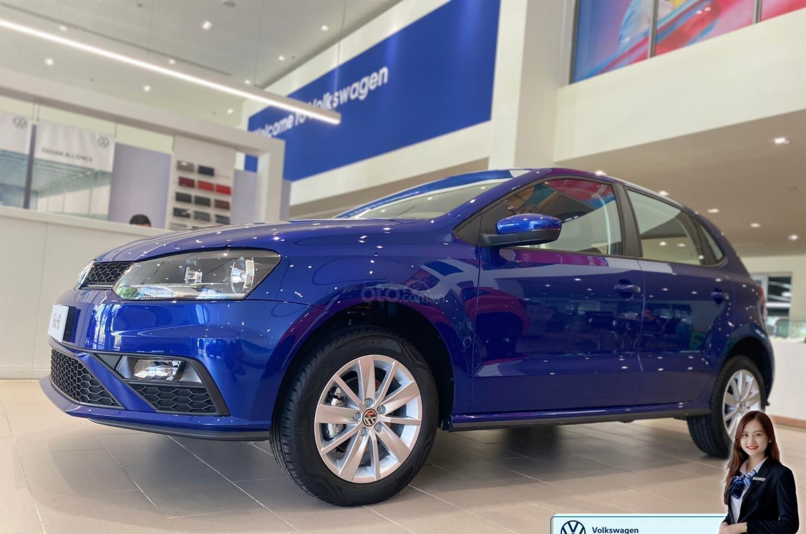 Polo hatchback màu xanh giá tốt - giảm tiền mặt + quà tặng ưu đãi lớn nhất năm (7)