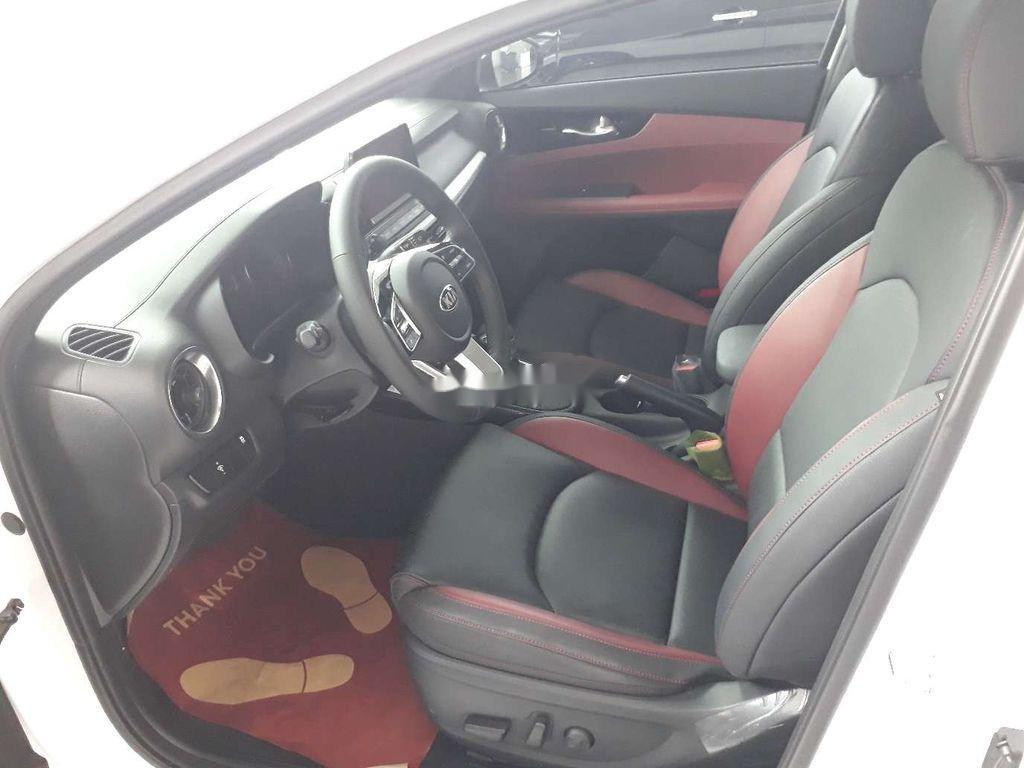 Cần bán xe  Kia Cerato 1.6 AT Luxury sản xuất năm 2020, giá tốt (5)