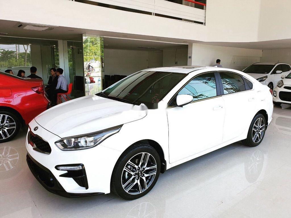 Cần bán xe Kia Cerato năm 2020, màu trắng, giá 529tr (1)