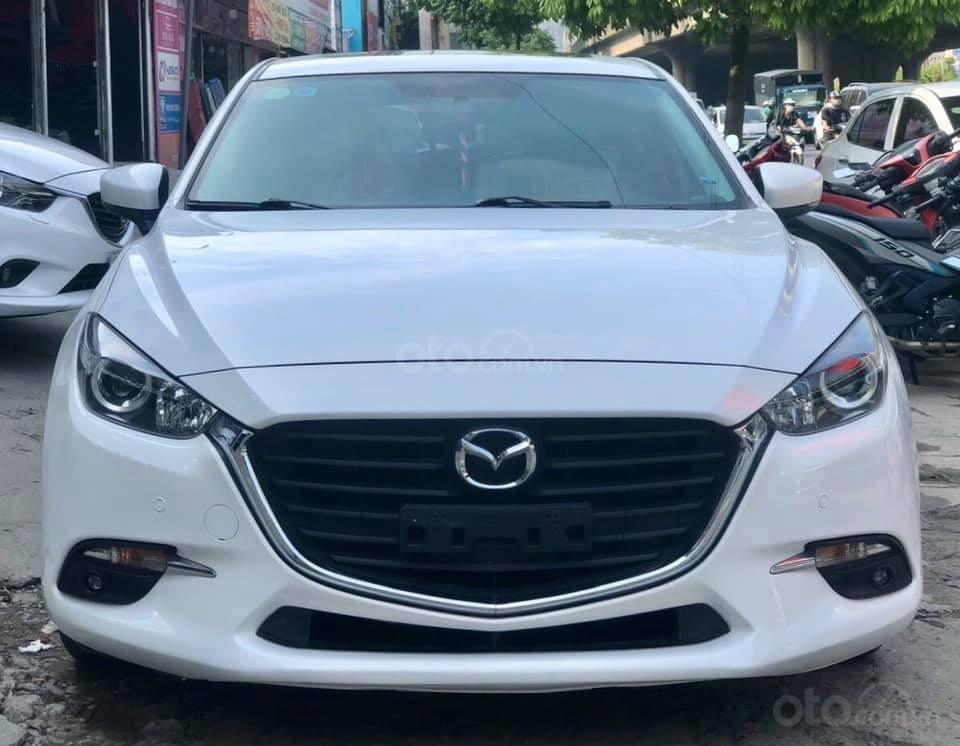 Cần bán xe Mazda 3 năm 2017, màu trắng (4)