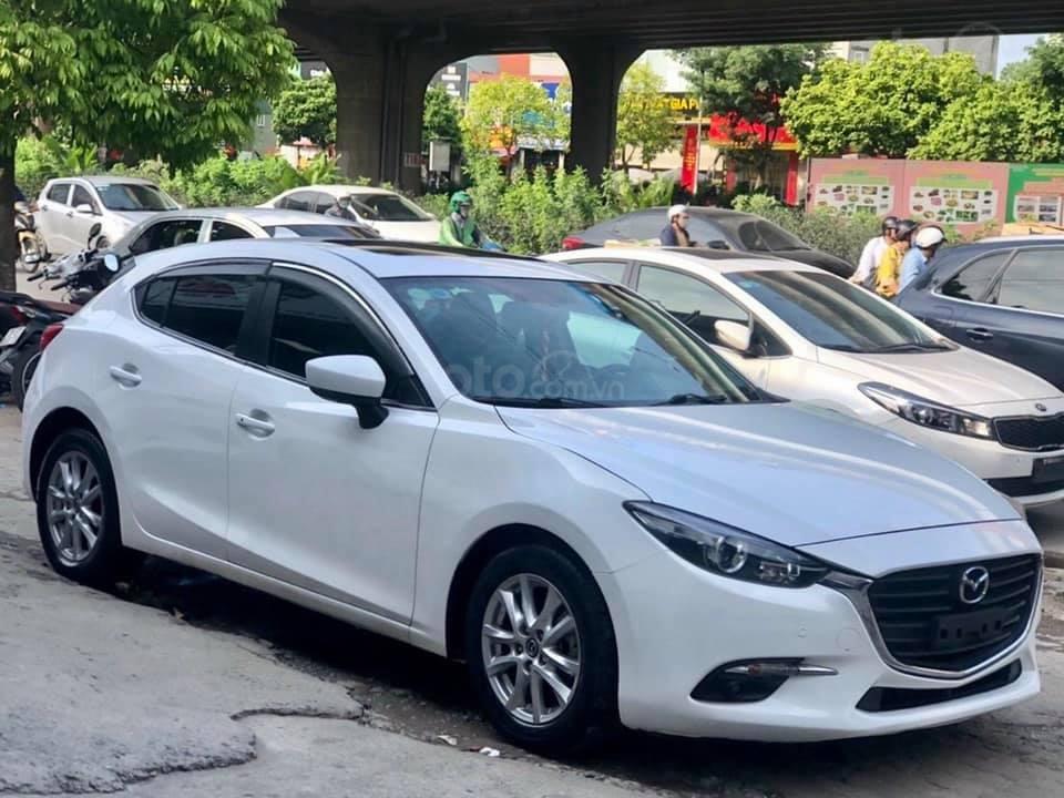 Cần bán xe Mazda 3 năm 2017, màu trắng (3)