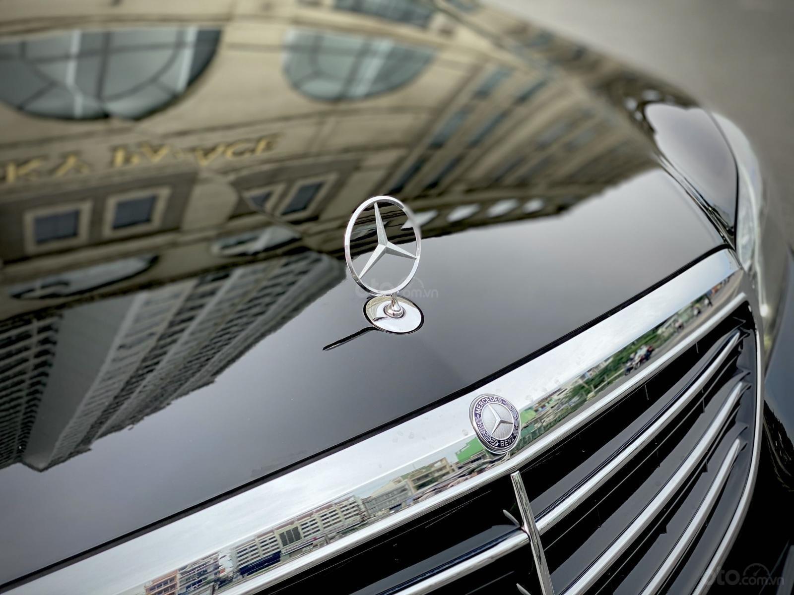 Cần bán lại xe Mercedes-Benz E class đăng ký lần đầu 2014, màu đen còn mới. Giá tốt 1 tỷ 180 triệu đồng (4)