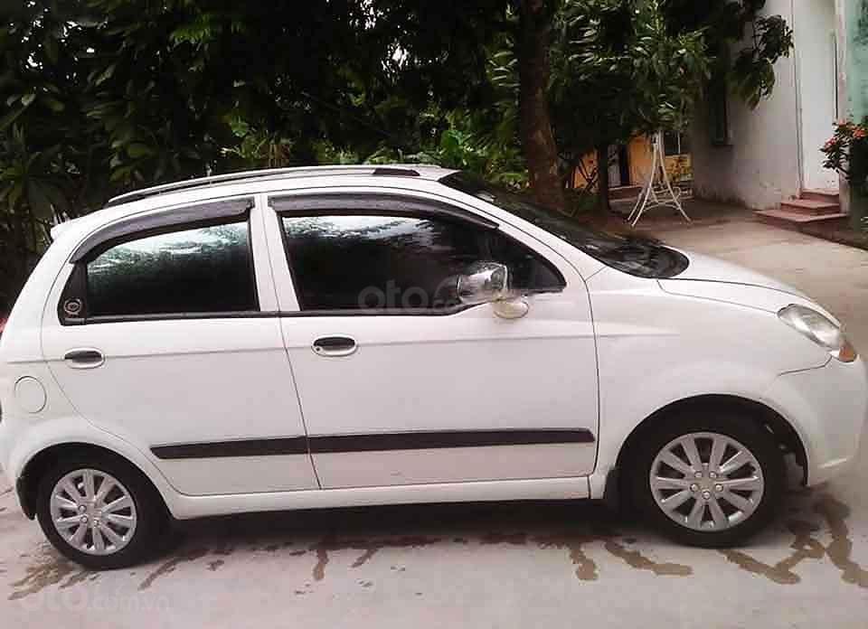 Cần bán Chevrolet Spark LT 0.8 MT năm 2010, màu trắng   (3)