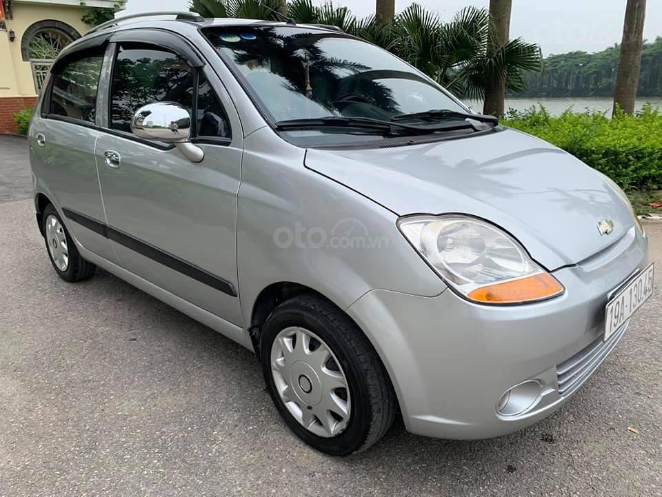 Cần bán nhanh với giá thấp chiếc Chevrolet Spark đời 2011, xe giá thấp, động cơ ổn định (1)