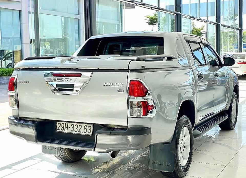 Bán Toyota Hilux đời 2019, màu bạc, nhập khẩu nguyên chiếc còn mới giá cạnh tranh (2)