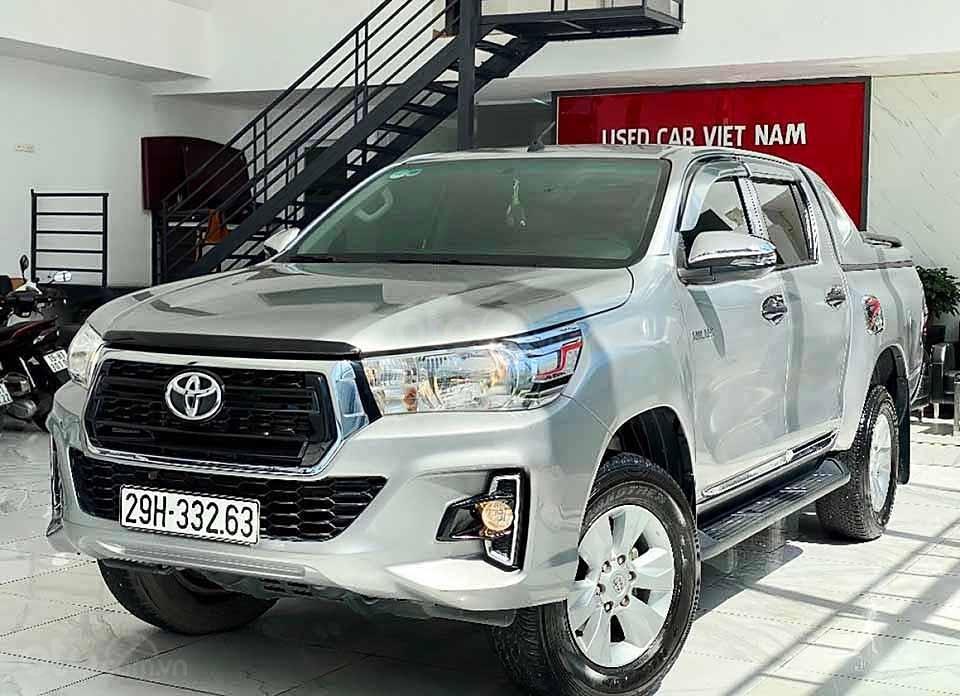 Bán Toyota Hilux đời 2019, màu bạc, nhập khẩu nguyên chiếc còn mới giá cạnh tranh (1)