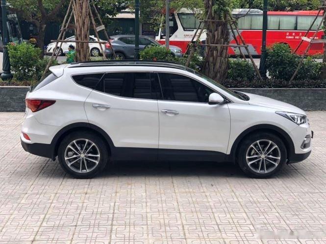 Bán Hyundai Santa Fe đời 2019, màu trắng, bản full option (6)
