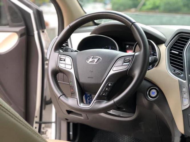 Bán Hyundai Santa Fe đời 2019, màu trắng, bản full option (9)