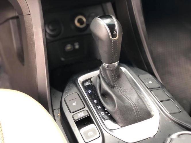 Bán Hyundai Santa Fe đời 2019, màu trắng, bản full option (7)