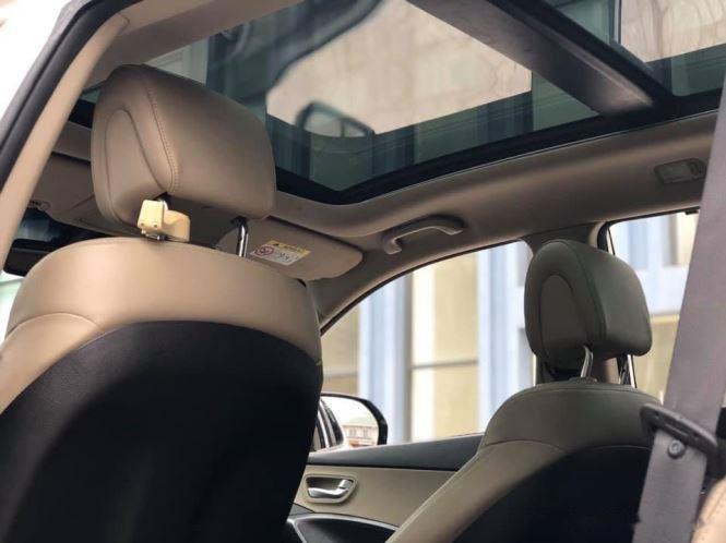Bán Hyundai Santa Fe đời 2019, màu trắng, bản full option (8)