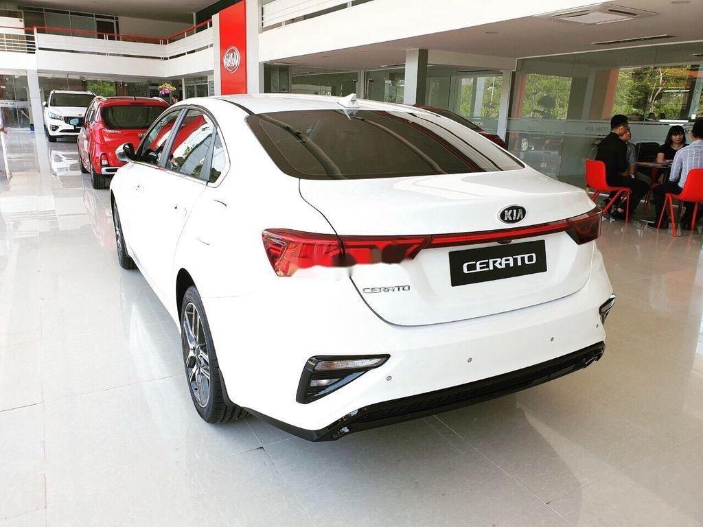 Cần bán xe Kia Cerato năm 2020, màu trắng, giá 529tr (5)