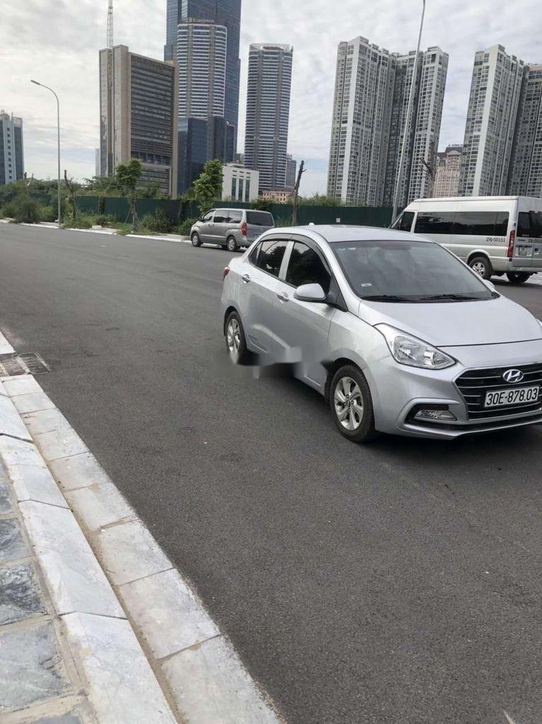 Bán Hyundai Grand i10 năm 2017 còn mới, giá thấp, động cơ ổn định  (5)