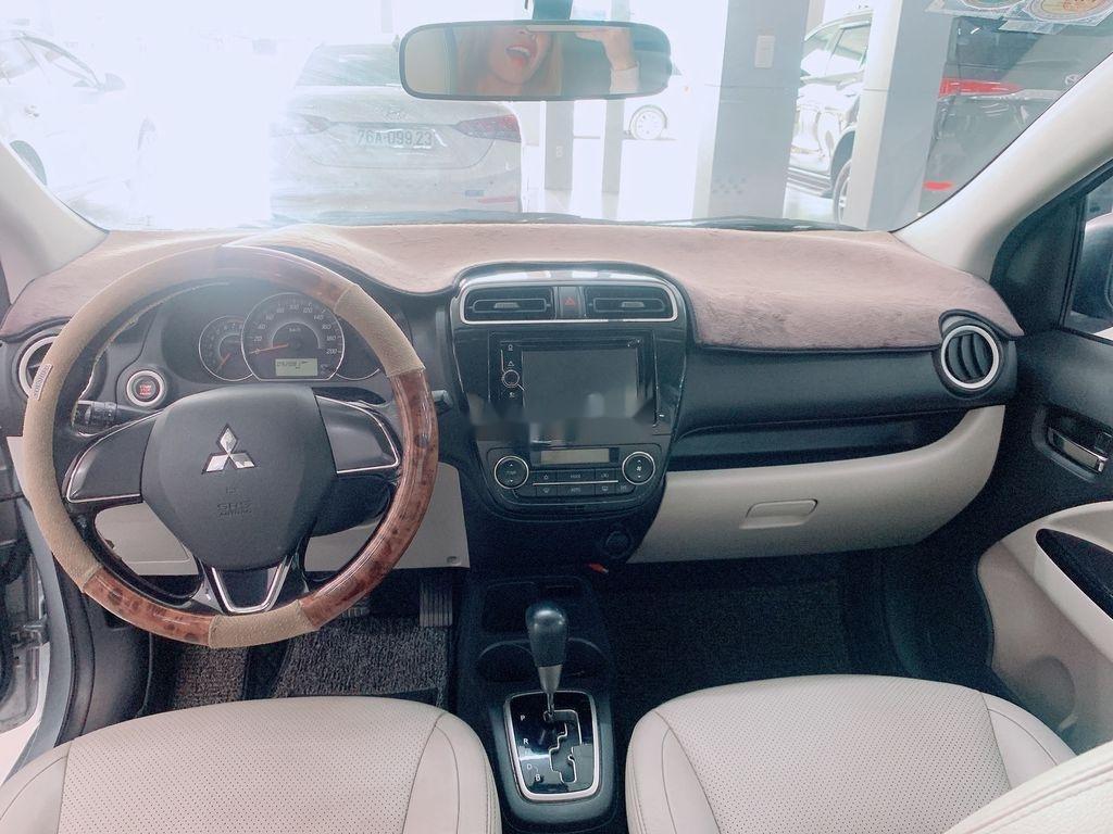 Cần bán Mitsubishi Attrage năm sản xuất 2016, màu bạc, nhập khẩu (6)