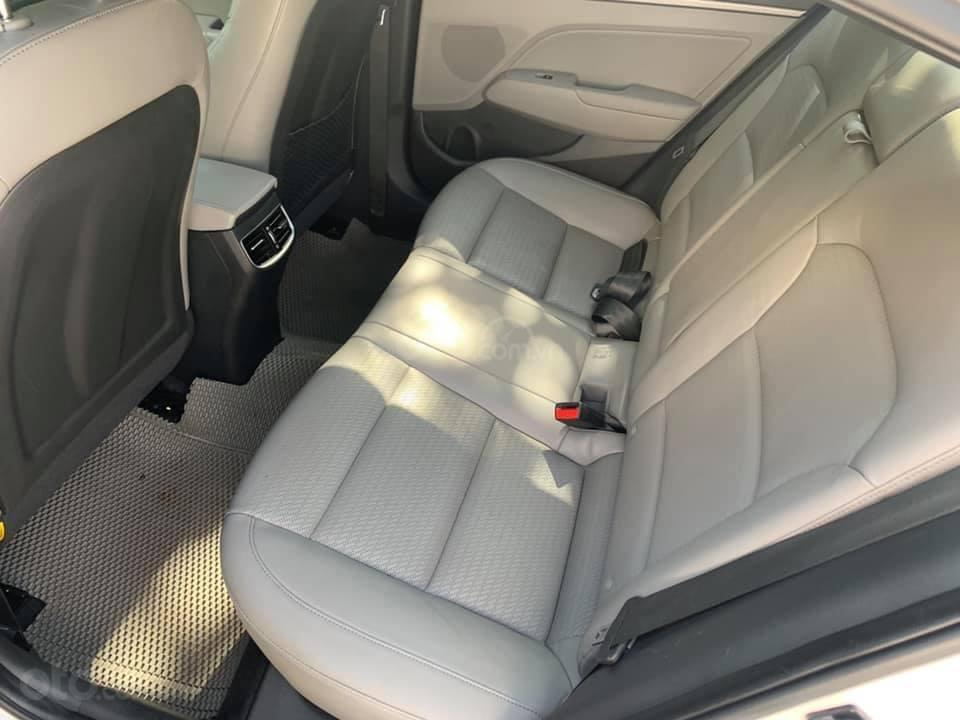 Cần bán xe Hyundai Elantra 2.0AT 2016, màu trắng (9)