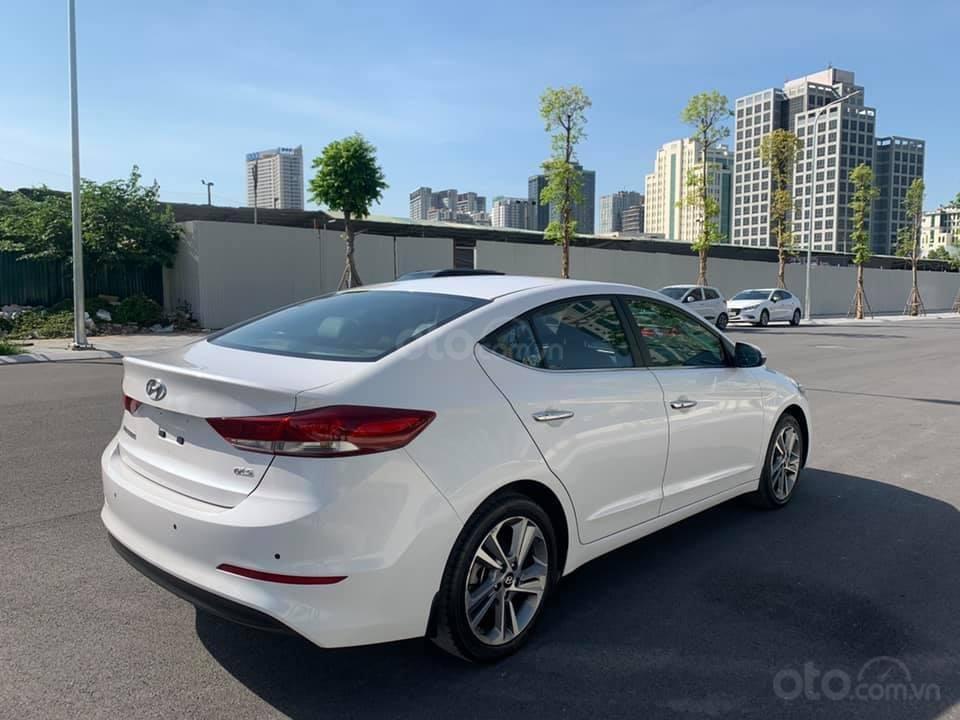 Cần bán xe Hyundai Elantra 2.0AT 2016, màu trắng (5)