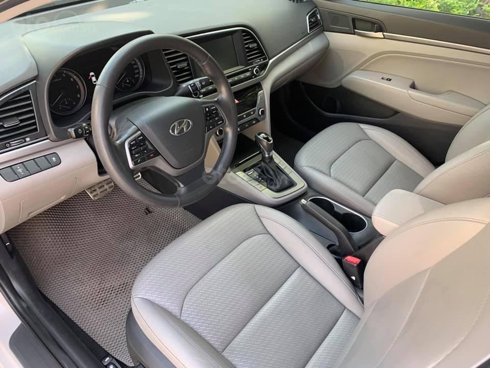 Cần bán xe Hyundai Elantra 2.0AT 2016, màu trắng (8)