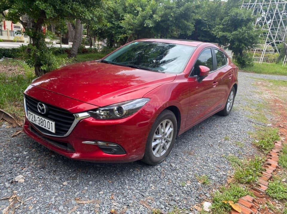 Bán Mazda 3 cuối 2019, màu đỏ pha lê (3)