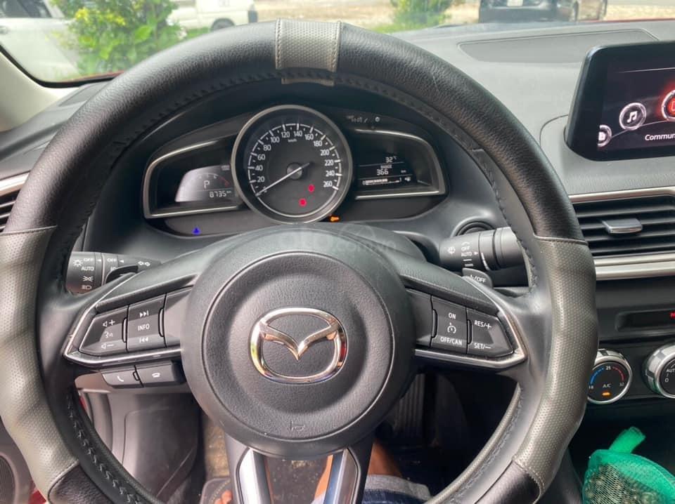 Bán Mazda 3 cuối 2019, màu đỏ pha lê (2)