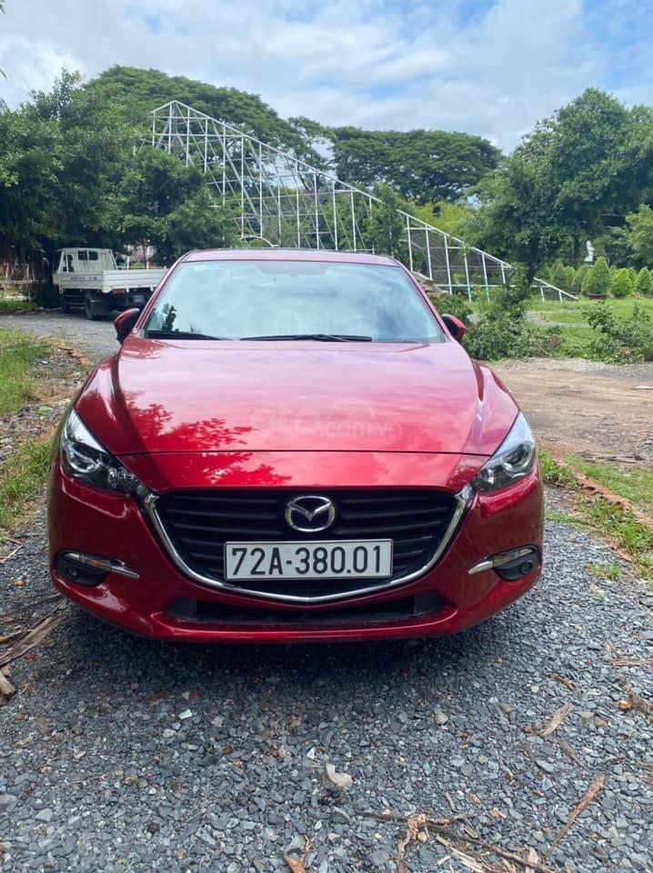 Bán Mazda 3 cuối 2019, màu đỏ pha lê (1)