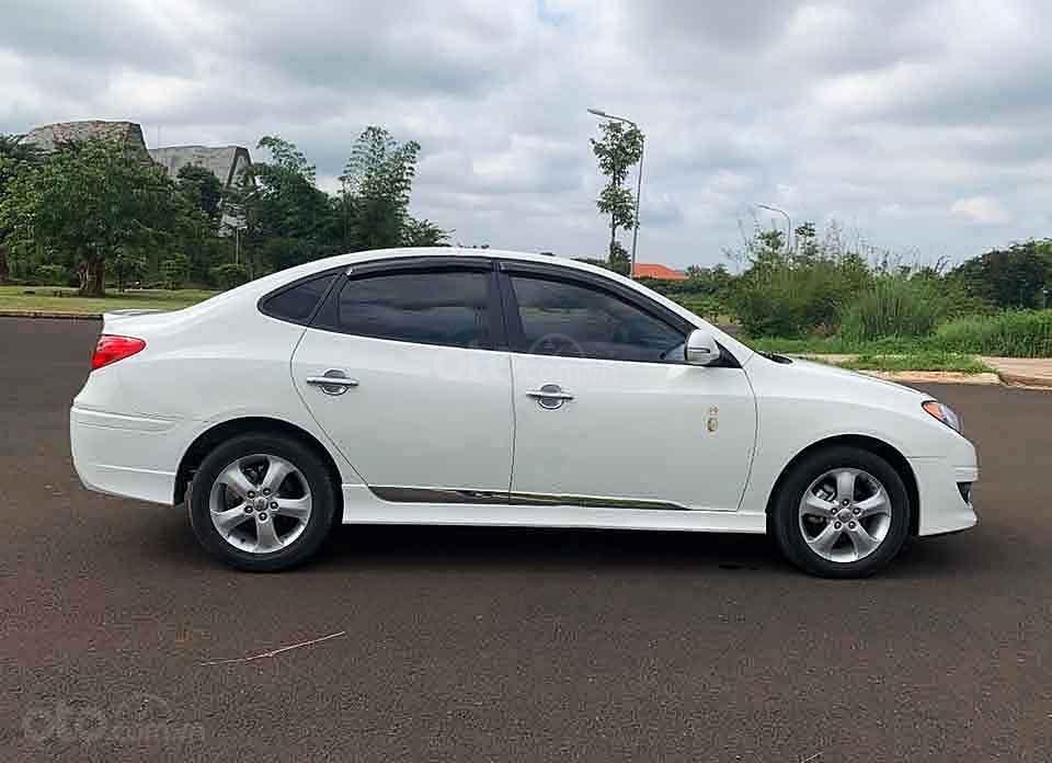Bán xe Hyundai Avante sản xuất năm 2013, màu trắng còn mới, 380tr (5)