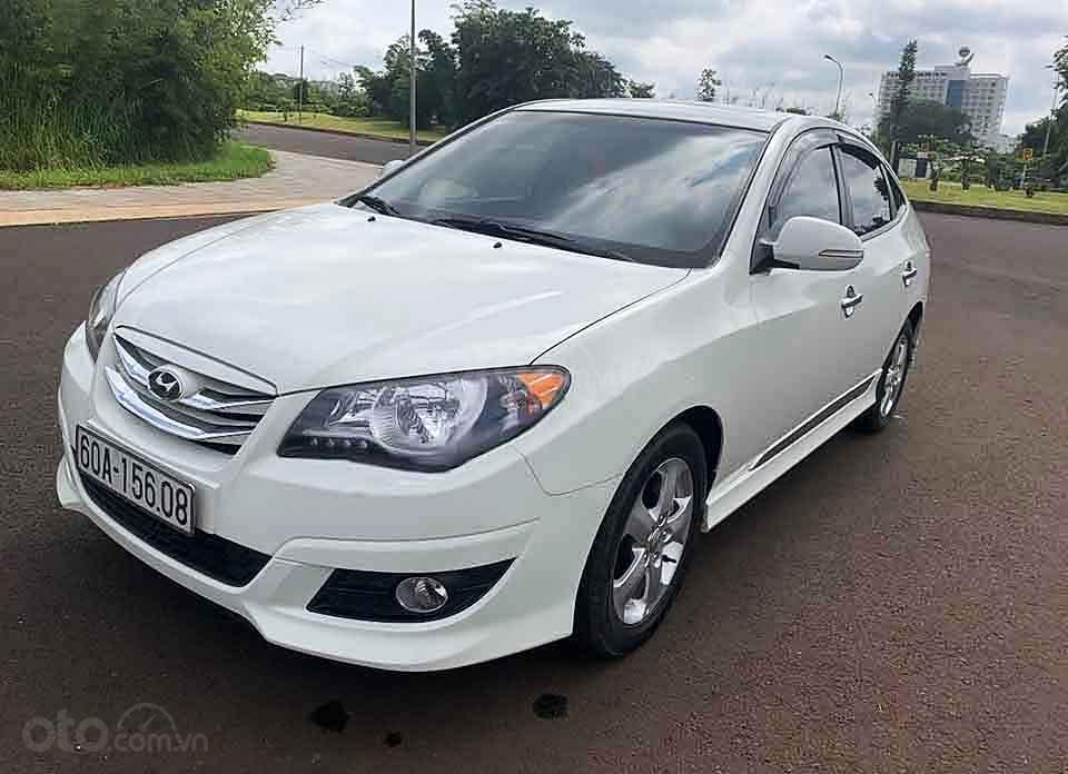 Bán xe Hyundai Avante sản xuất năm 2013, màu trắng còn mới, 380tr (1)