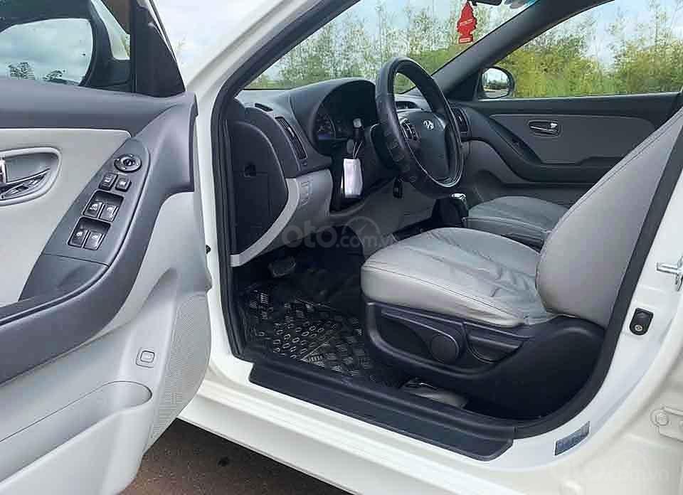 Bán xe Hyundai Avante sản xuất năm 2013, màu trắng còn mới, 380tr (2)