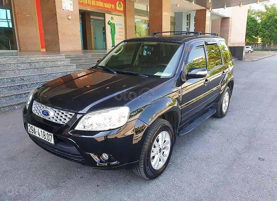 Cần bán xe Ford Escape sản xuất 2011, màu đen còn mới (1)
