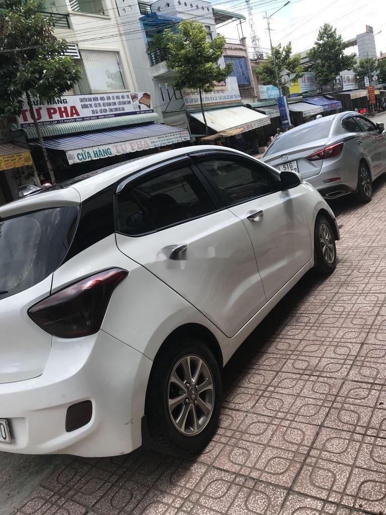 Bán Hyundai Grand i10 đời 2016, màu trắng, xe nhập chính chủ, 235 triệu (1)
