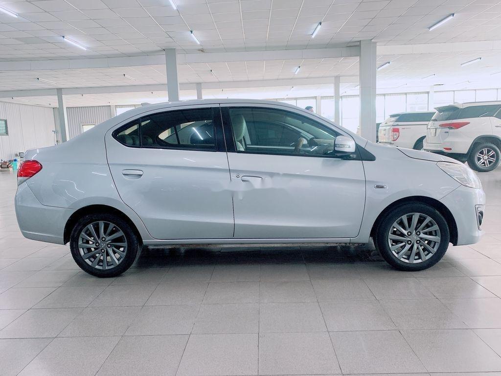 Cần bán Mitsubishi Attrage năm sản xuất 2016, màu bạc, nhập khẩu (4)