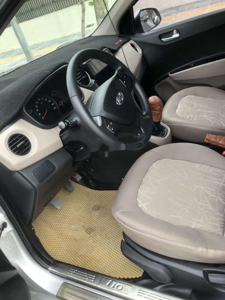 Bán Hyundai Grand i10 năm 2017 còn mới, giá thấp, động cơ ổn định  (9)