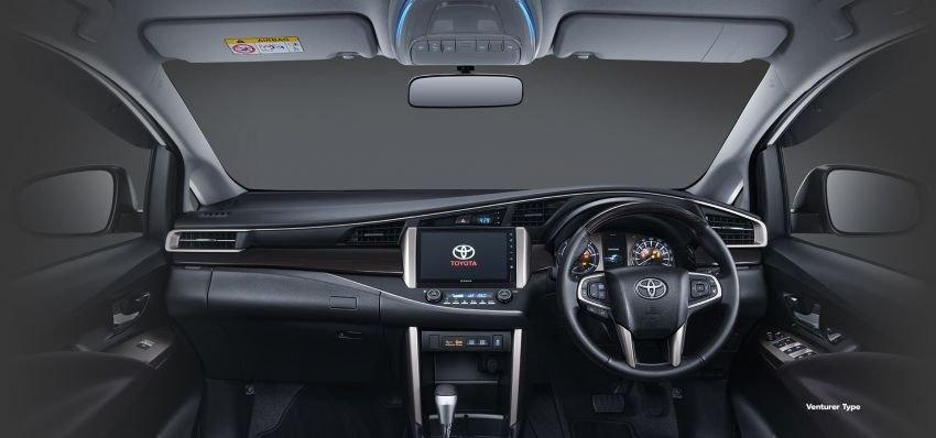 Toyota Innova 2021 facelift vẫn bảo toàn ngôn ngữ thiết kế đặc trưng.