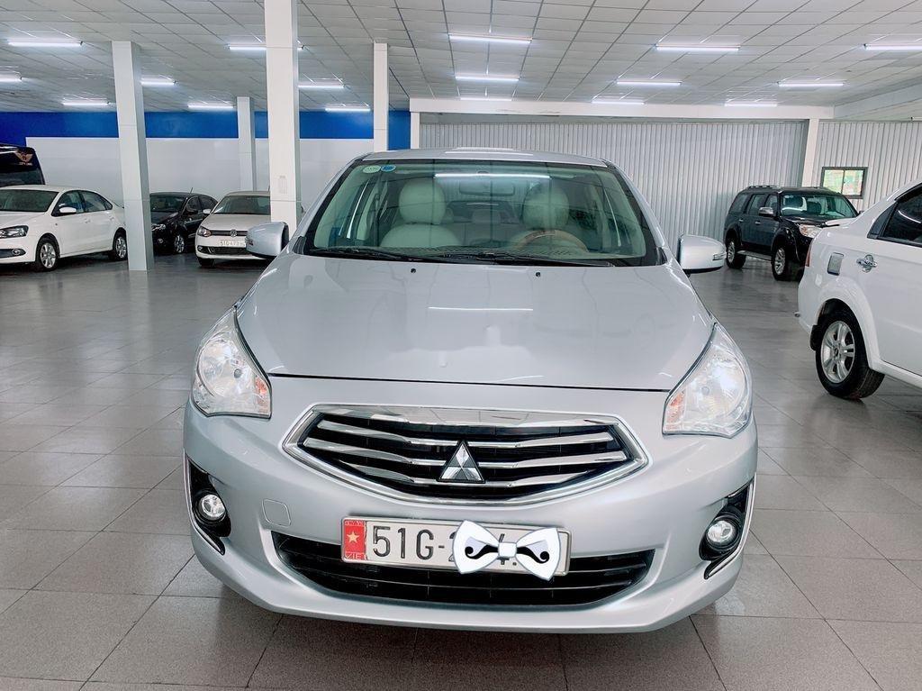 Cần bán Mitsubishi Attrage năm sản xuất 2016, màu bạc, nhập khẩu (1)
