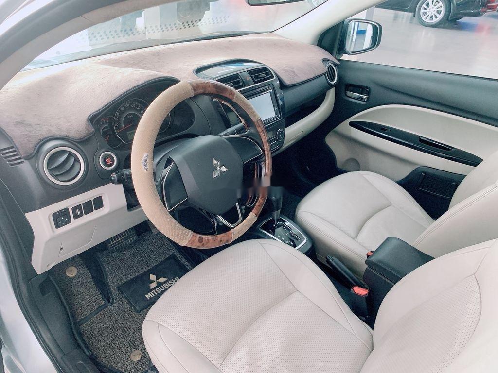 Cần bán Mitsubishi Attrage năm sản xuất 2016, màu bạc, nhập khẩu (5)