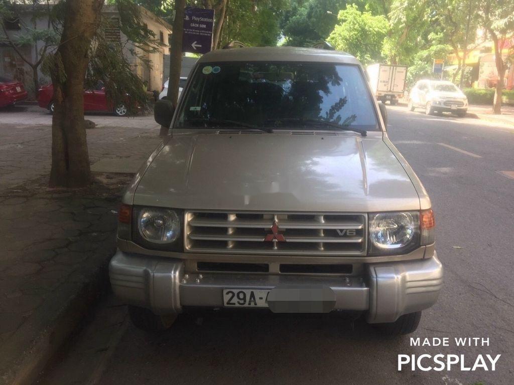 Chính chủ bán xe Mitsubishi Pajero năm sản xuất 2003, màu bạc (1)