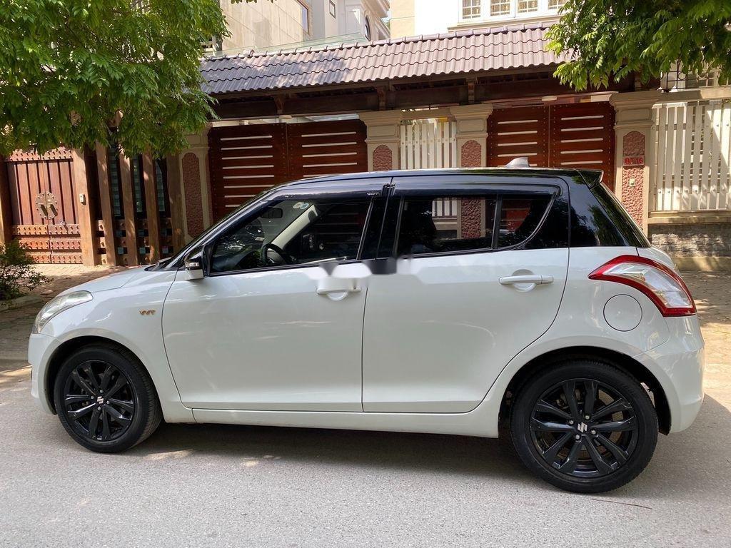 Cần bán xe Suzuki Swift đời 2016, màu trắng giá cạnh tranh (2)