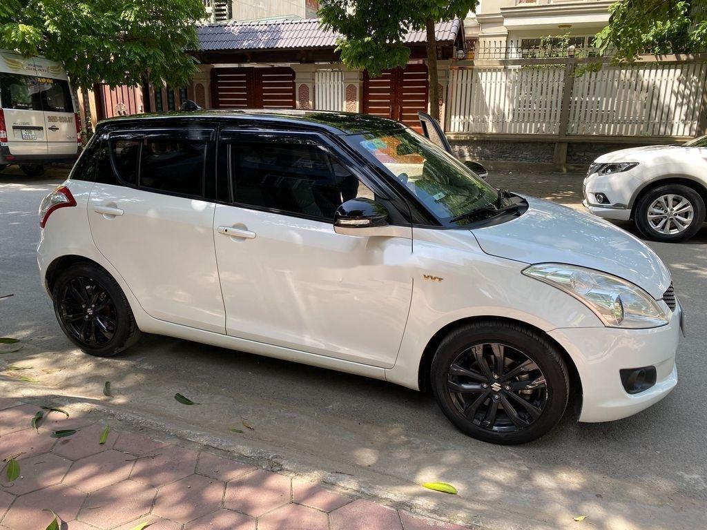 Cần bán xe Suzuki Swift đời 2016, màu trắng giá cạnh tranh (3)