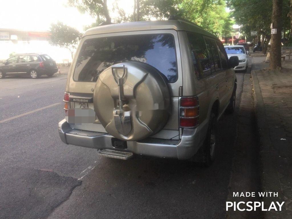 Chính chủ bán xe Mitsubishi Pajero năm sản xuất 2003, màu bạc (2)