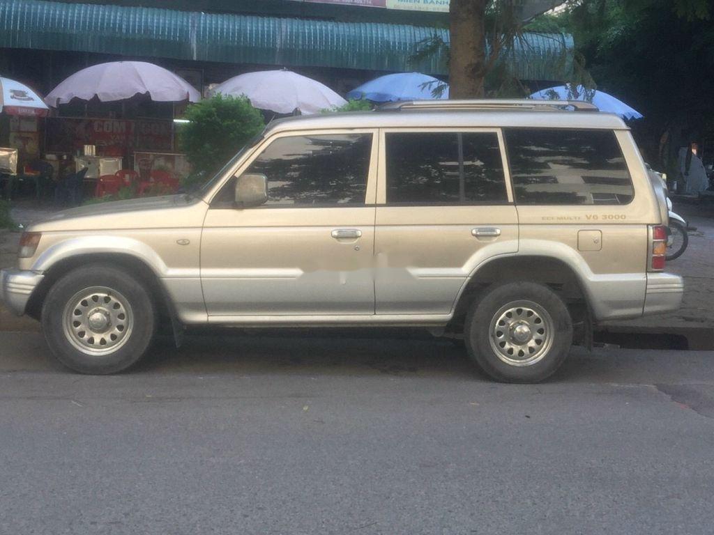 Chính chủ bán xe Mitsubishi Pajero năm sản xuất 2003, màu bạc (3)