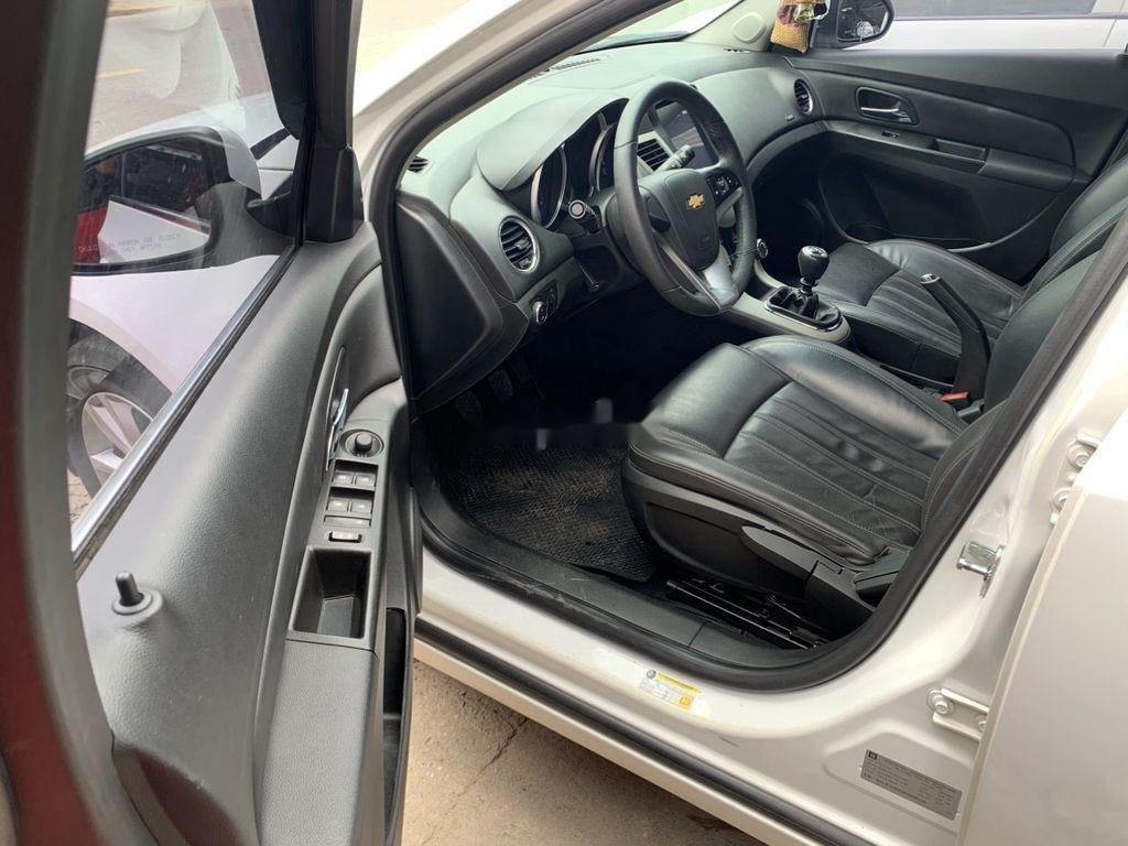 Bán Chevrolet Cruze năm 2017 số tự động, giá 360tr (7)