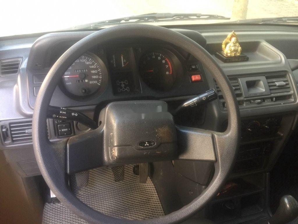 Chính chủ bán xe Mitsubishi Pajero năm sản xuất 2003, màu bạc (8)