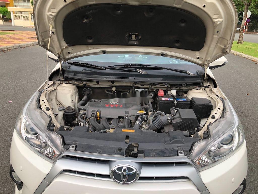 Cần bán xe Toyota Yaris sản xuất năm 2014, màu trắng, nhập khẩu (10)