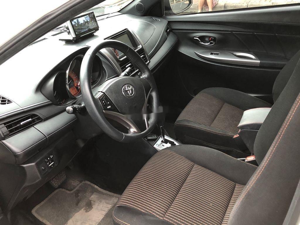 Cần bán xe Toyota Yaris sản xuất năm 2014, màu trắng, nhập khẩu (8)