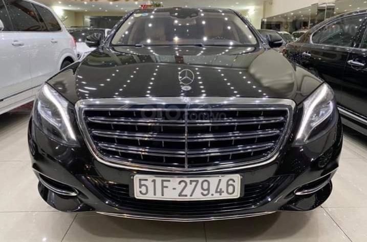 Mercedes Benz S600 Maybach màu đen, nội thất trắng kem, một tuyệt tác siêu phẩm, đời 2016, đi đúng 40.225 km (1)