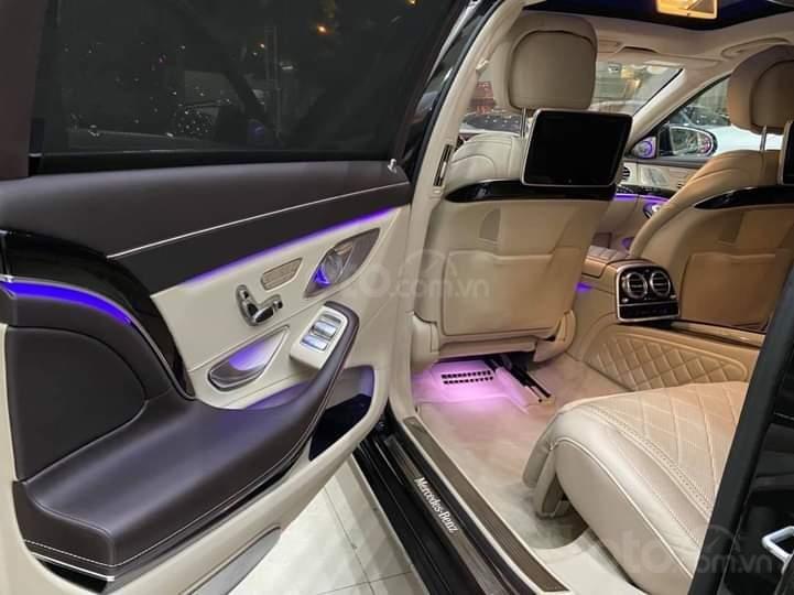 Mercedes Benz S600 Maybach màu đen, nội thất trắng kem, một tuyệt tác siêu phẩm, đời 2016, đi đúng 40.225 km (8)